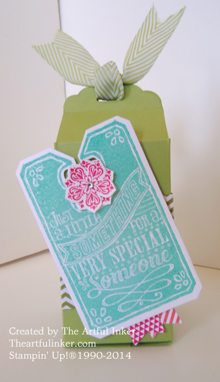 Scallop Tag Topper Punch box
