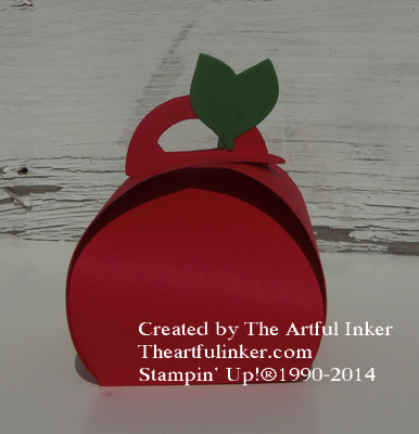 Curvey Keepsake Apple from theartfulinker.com