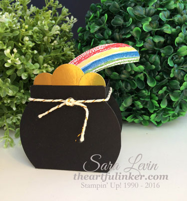 Pot of Gold treat box from theartfulinker.com