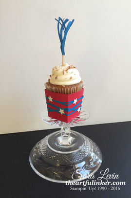 Swirly Scribbles Popcorn Box Cupcake Holder for the 4th of July - from theartfulinker.com