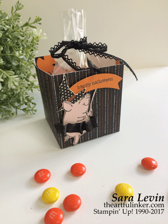 This Little Piggy Halloween treat box from theartfulinker.com
