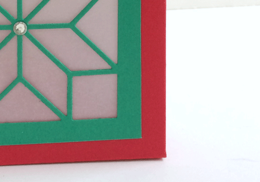 Christmas Quilt holiday lantern - with tutorial - from theartfulinker.com