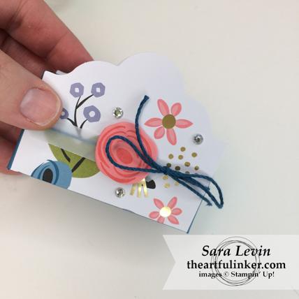 Stamping Sunday Blog Hop Lots of Happy Birthday Perennial Birthday Kit alternative favor box - detail - from theartfulinker.com