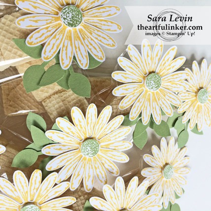 Daisy Delight OnStage Favor - detail from theartfulinker.com