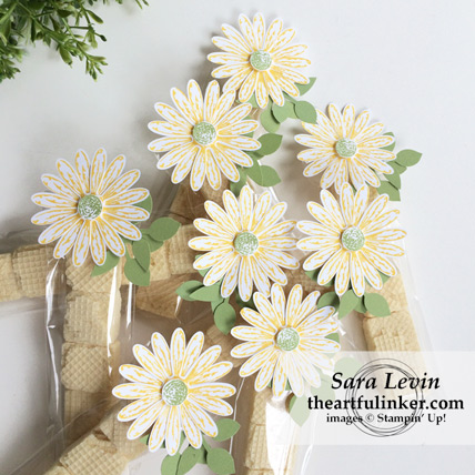 Daisy Delight OnStage Favor from theartfulinker.com