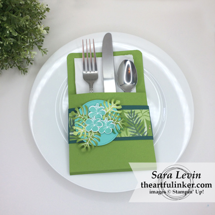 Tropical Chic Place Setting with video and tutorial download so you can easily make your own - from theartfulinker.com