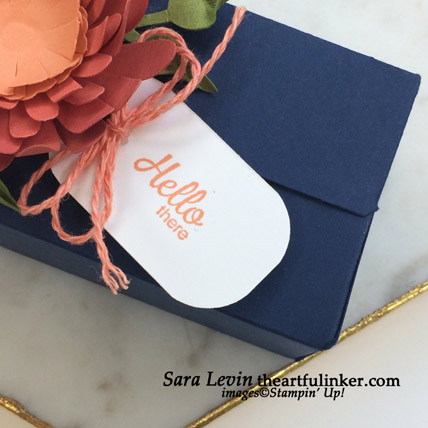 Perfect Parcel Box with Daisy, tag detail. Shop for Stampin Up products at theartfulinker.com