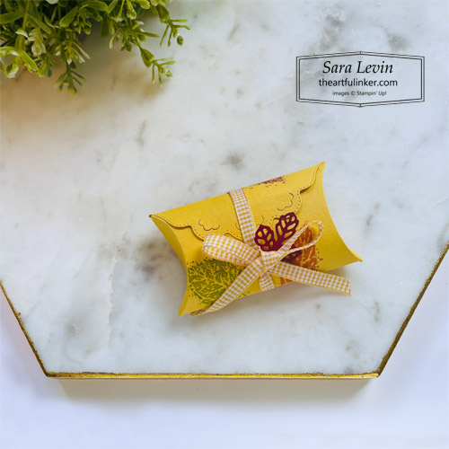 Pretty Pillowbox Dies Fall treat box with gingham bow SHOP for Stampin Up with Sara Levin theartfulinker.com